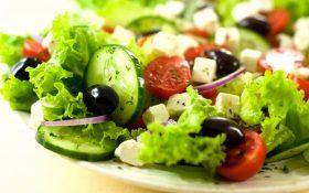 Bệnh cao huyết áp nên và không nên ăn gì?